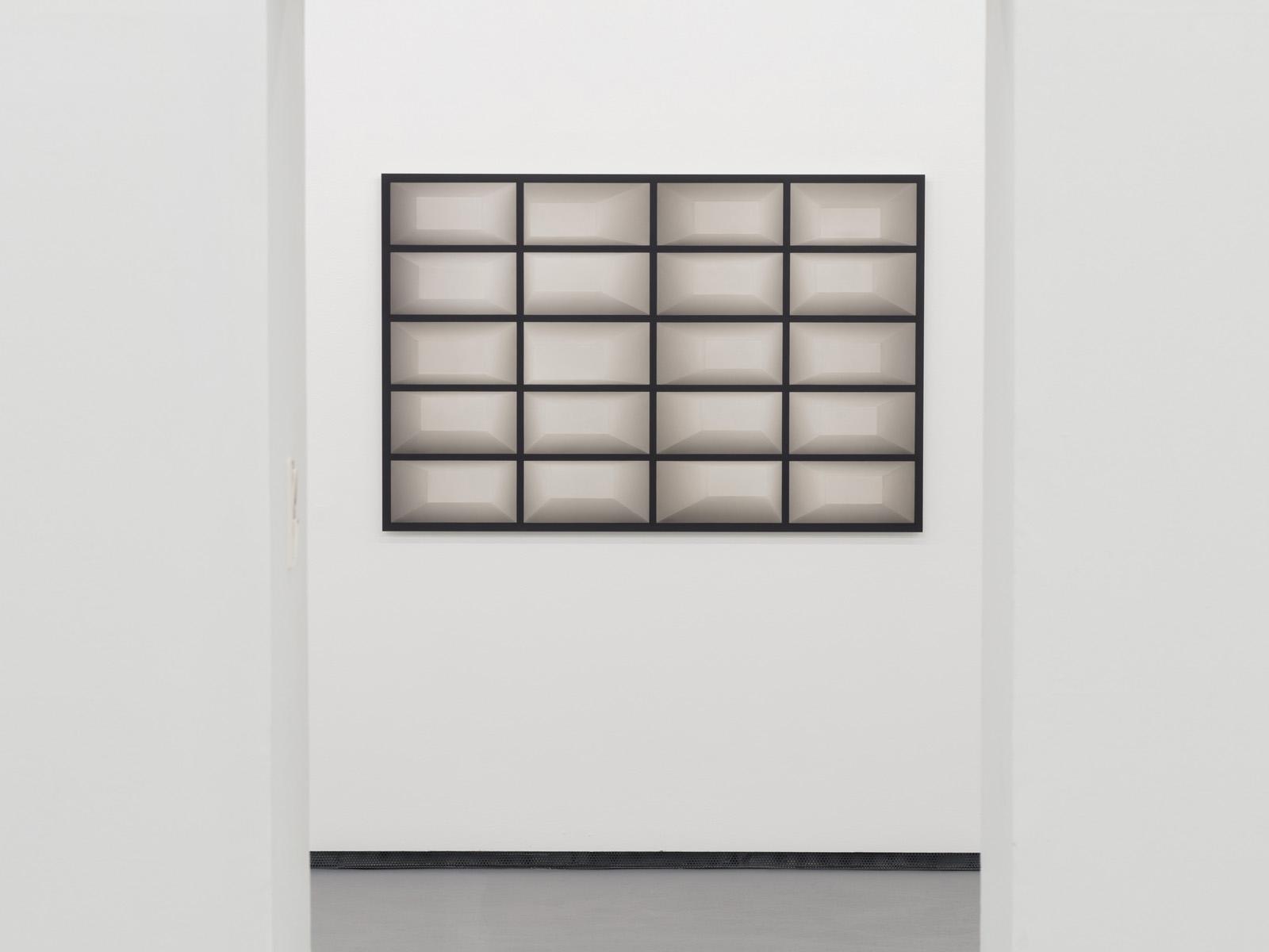SOLO VII - CATHARINA FREUIS Ausstellungsansicht Fotogalerie Wien
